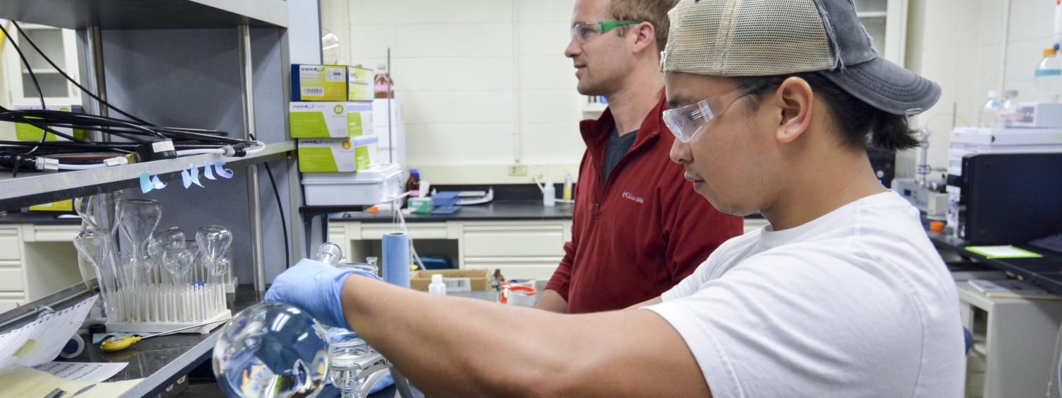 Students working at CEAE lab