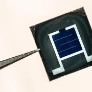 Perovskite/silicon tandem solar cells
