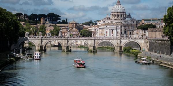 """Ponte Sant'Angelo"" by Nicolas Hoizey is licensed under CC BY-NC-SA 2.0"