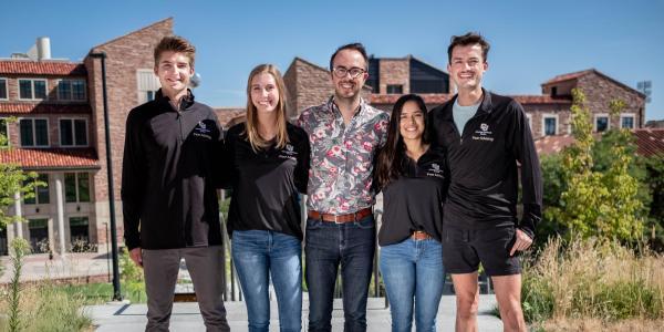 Group photo of ENVD Peer Advisors