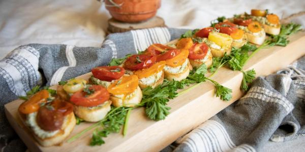 Crostini with roasted tomatoes and goat cheese