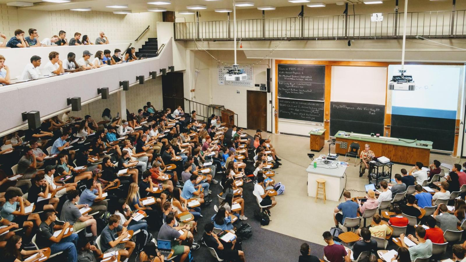 Large lecture hall class