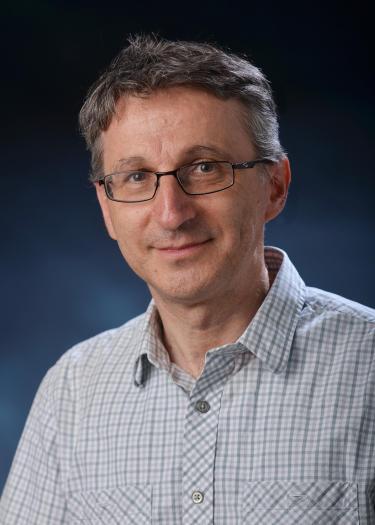 Dr. Maksimovic
