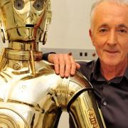 Photo of Anthony Daniels and C3P0