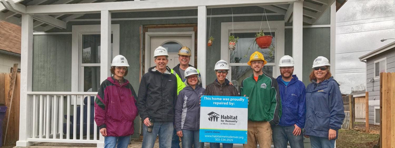 habitat for humanity volunteers