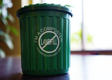 desktop compost bucket