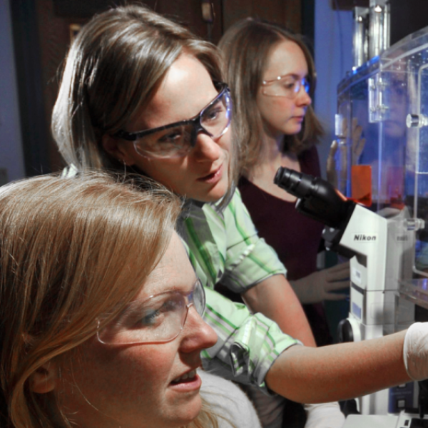Women working in a biology lab
