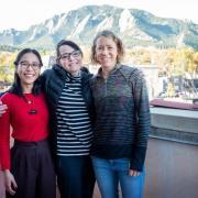 Photo of Leslie Blood with CU Boulder grad students
