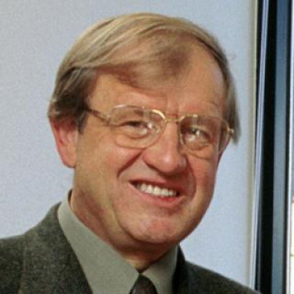 Robert L Stearns Award winner Marvin Caruthers