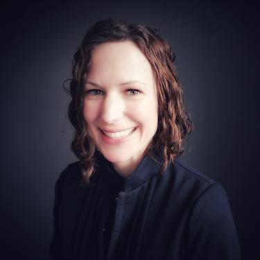 Headshot of Angie Naillon