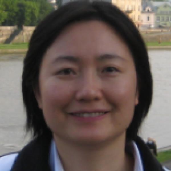 Qin Lv portrait outside