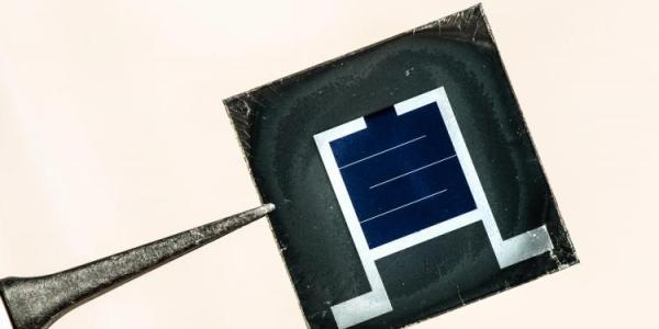 Perovskite/silicon tandem solar cells are contenders for the next-generation photovoltaic technology, with the potential to deliver module efficiency gains at minimal cost.