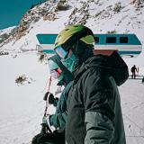 man about to ski down a hill thumbnail
