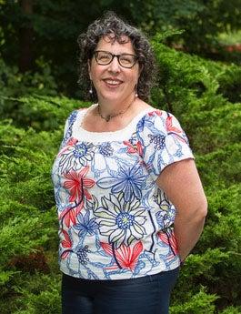 Professor Mara Benjamin headshot