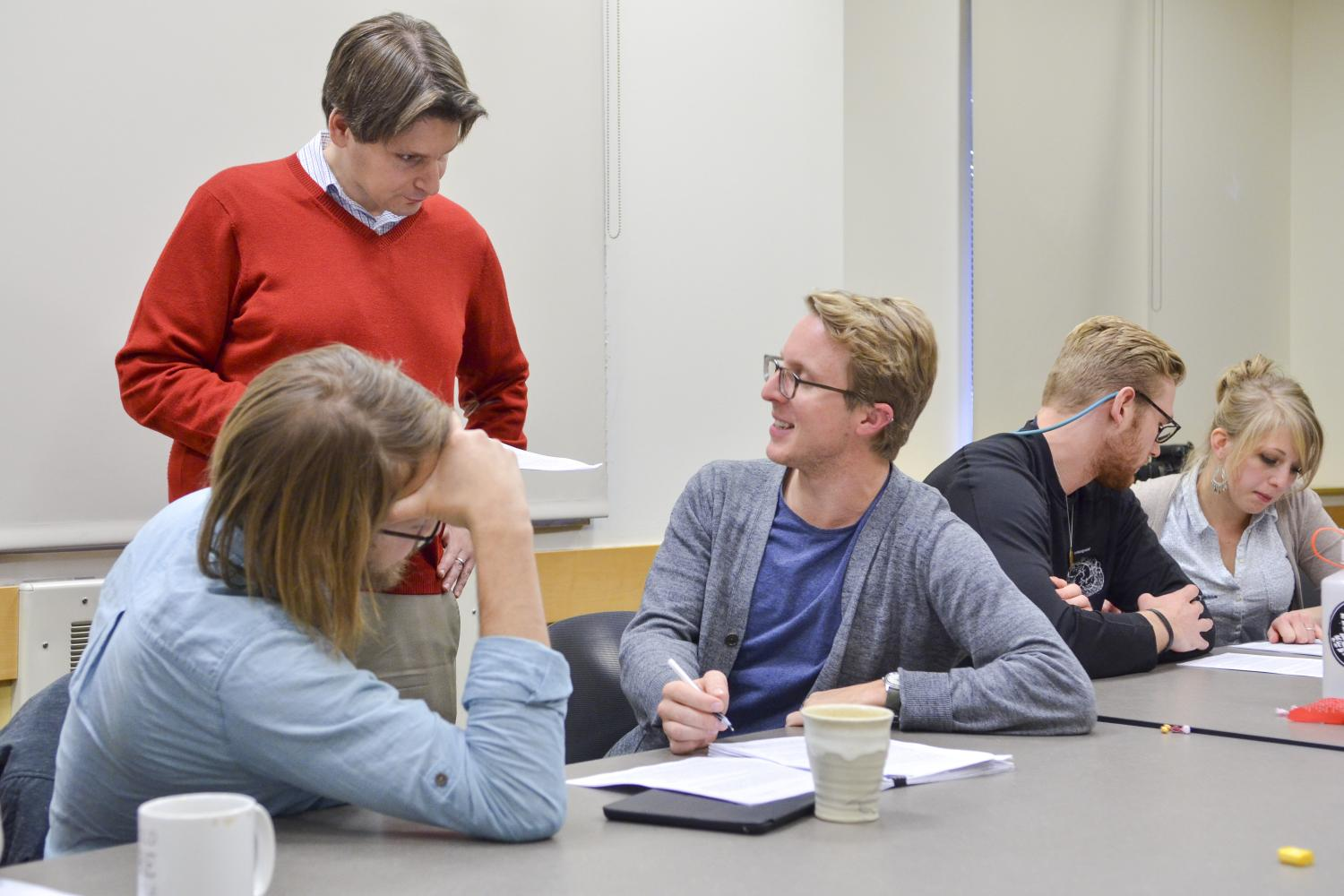 Elias Sacks in class with graduate students