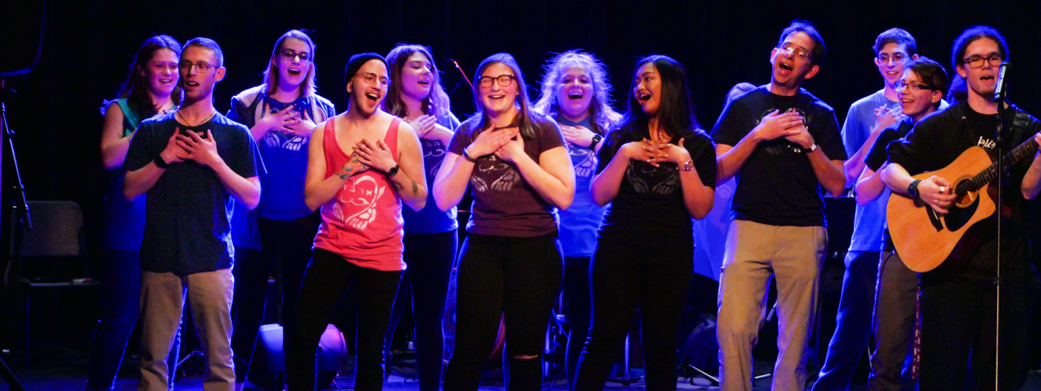 Hebrew students singing at the annual Hebrew Schmooze-A-Palooza in 2018