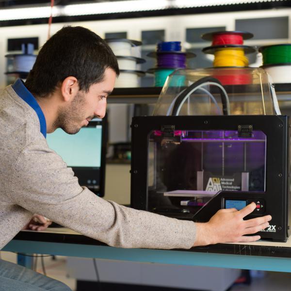 Joan Ortega Alcaide 3D printing in the lab