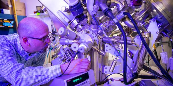 Andrew Cavanagh at the XPS; X-Ray Photoelectron Spectroscopy