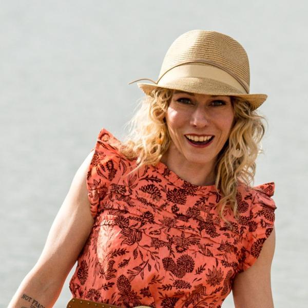 Dana Calhoun