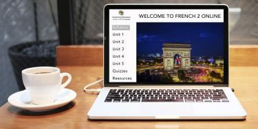 Computer displaying an online French course