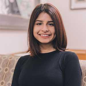 Larissa Alire