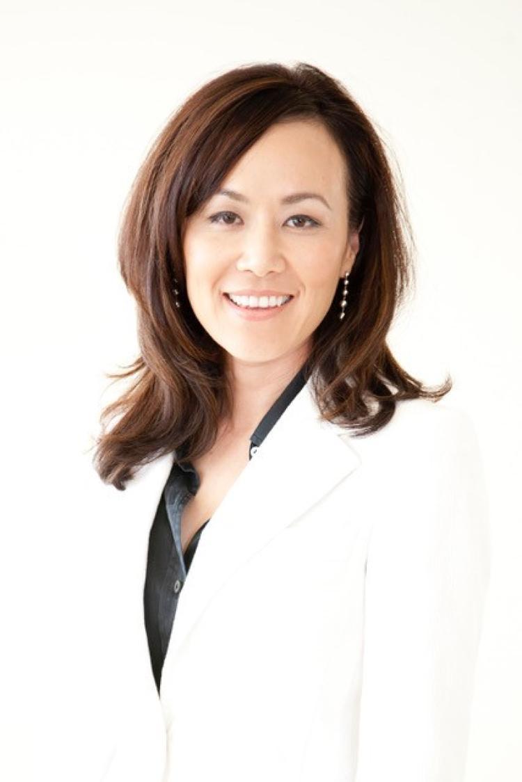 Julia Yoo