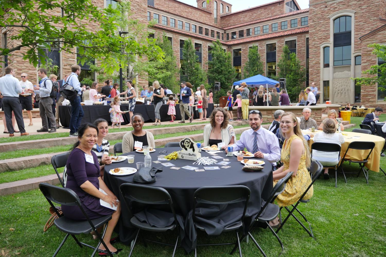 Alumni at Table