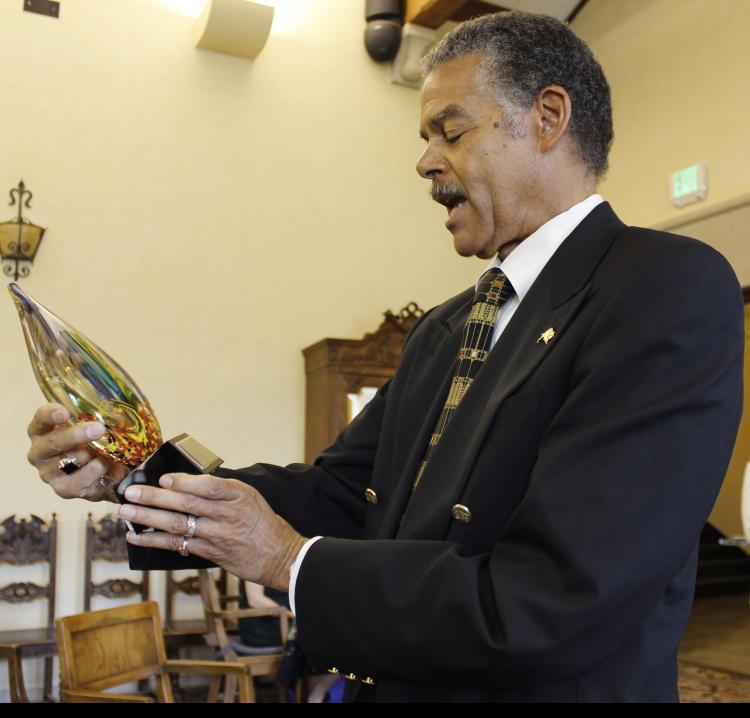 Dean Williams receives the Lifetime Achievement award.