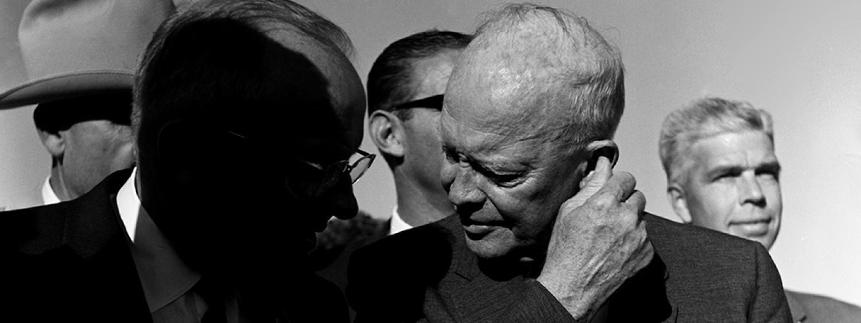 President Eisenhower at Combs Aviation, Denver, 1962. (Photo/Dan Fong)