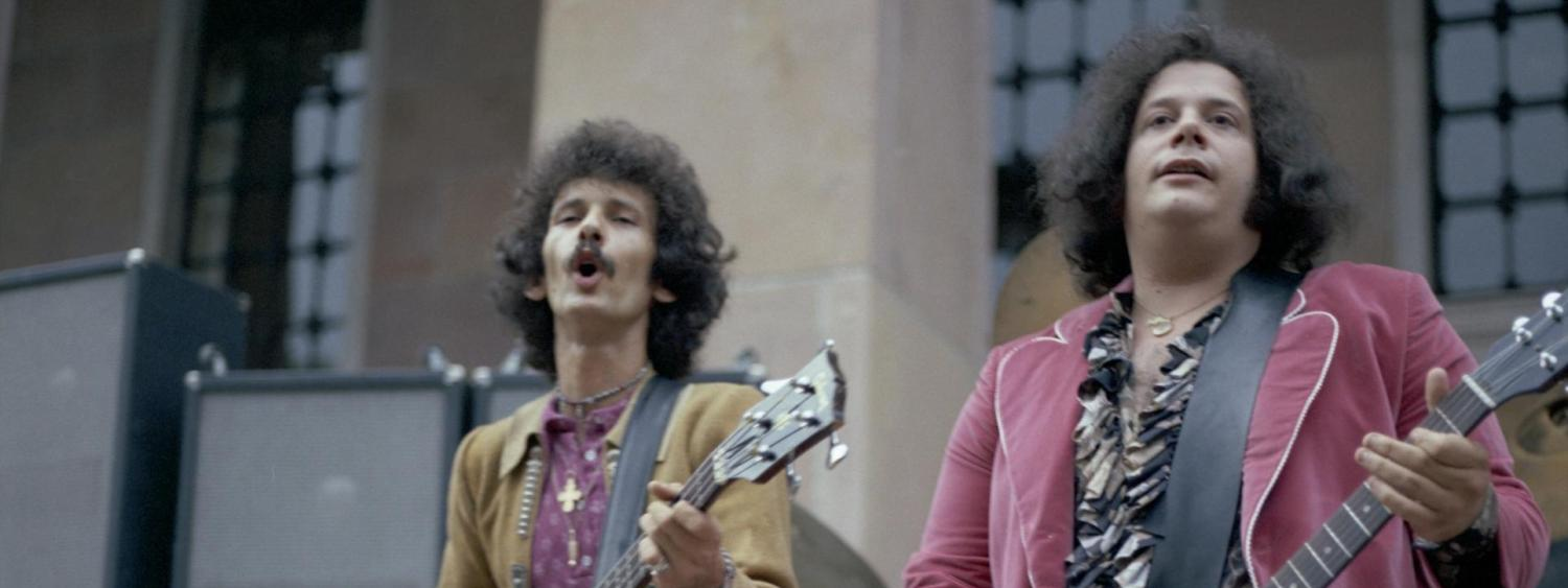 Felix Pappalardi and Leslie West of the band Mountain play on the steps of Norlin Library on the University of Colorado Boulder campus, Boulder, 1971. (Photo/Dan Fong)