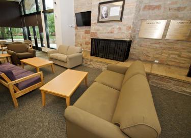 Andrews lounge