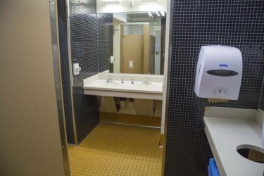 Darley south bathroom