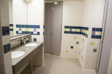 Kittredge Central bathroom