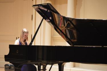 Grace Burns performs during the College of Music showcase concert at Carnegie Hall's Weill Recital Hall.