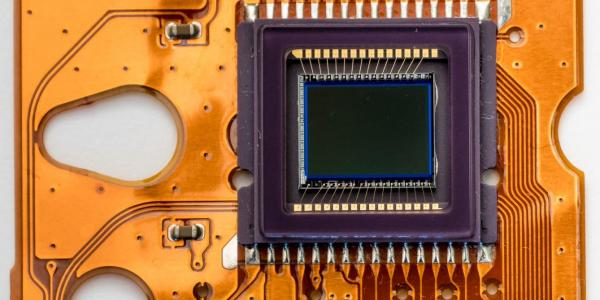 electronic processing component