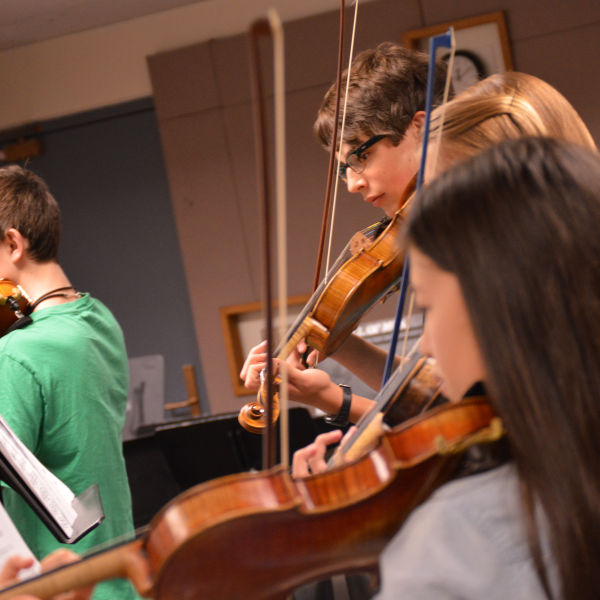 violinists in class