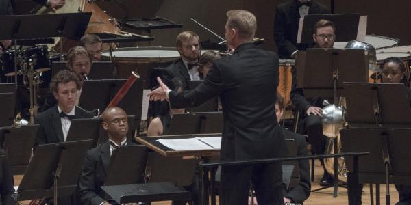 Conductor conducting