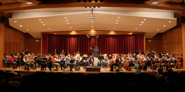 campus orchetra on stage