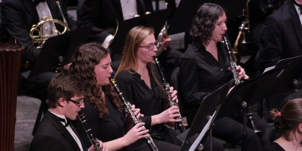 clarinet students performing
