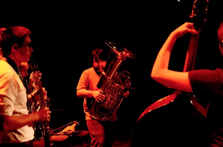 Michael Musick performing