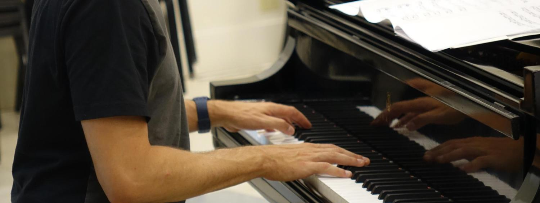 jazz pianist at rehearsal