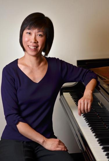 Daphne Leong at piano