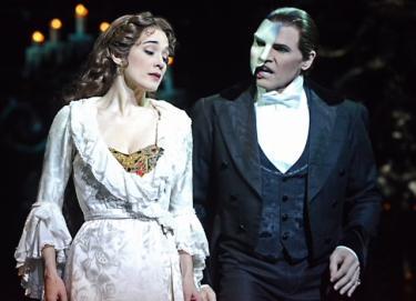 Elizabeth Welch as Christine