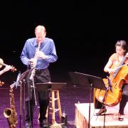 john gunther performs with carpe diem