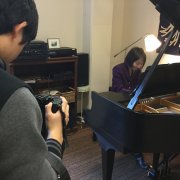 mutsumi moteki playing piano
