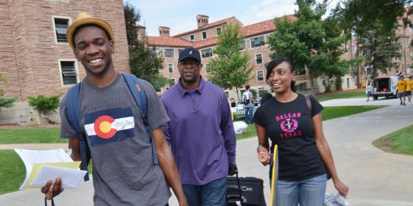 Family during move in and fall welcome