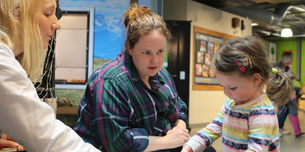 CU Boulder psychology student teaches child development through interactive science