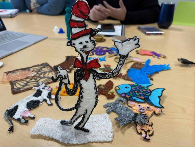3D pen created outline of Dr. Seuss' Cat in the Hat.