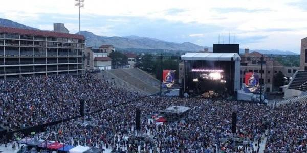 Crowd attending the Dead & Company 2017 concert at CU Folsom Field