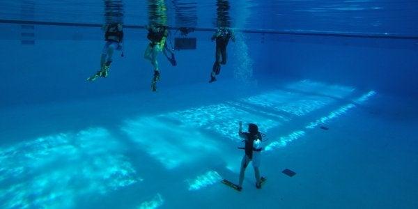 People scuba diving